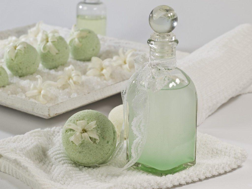 Czym warto kupować kosmetyki naturalne?