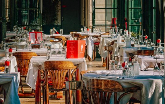 Rezerwujemy stolik w restauracji przez Internet