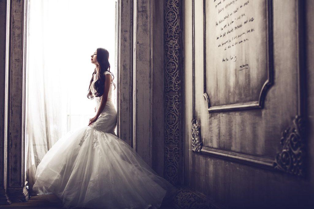 Idealny biustonosz ślubny bez pleców